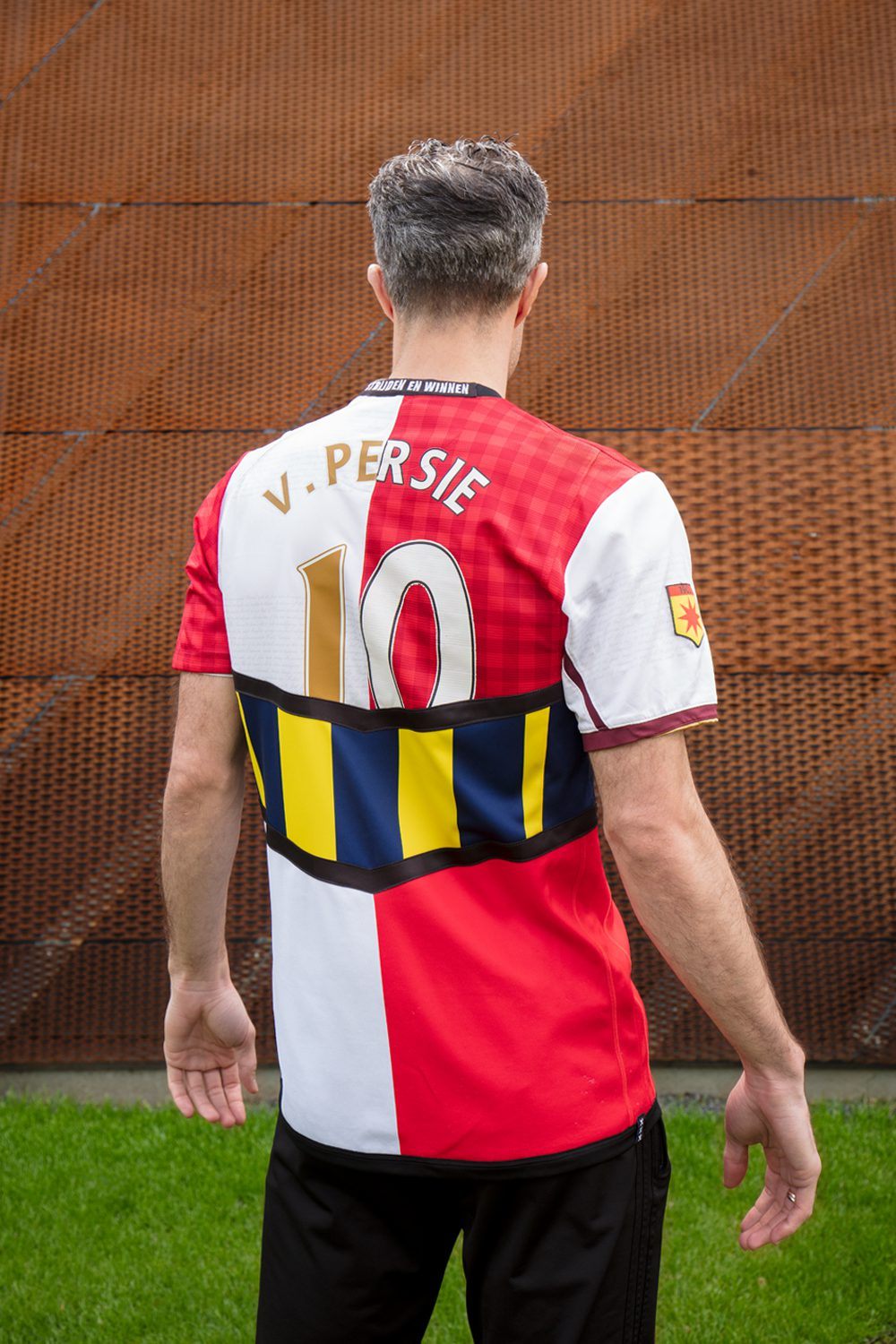 Blood In Blood Out - Photo Robin van Persie